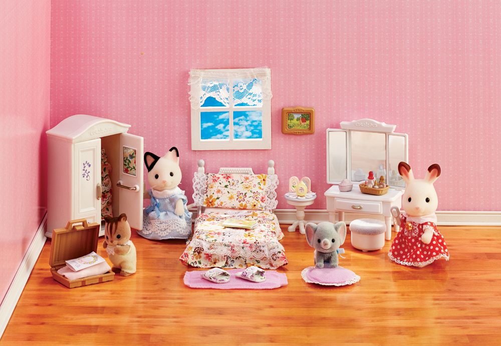 CALICO CRITTERS #CC2271 Girl's Floral Bedroom Set - New Factory Sealed - Sylvanian Families - Pretend Play