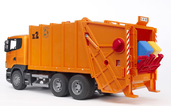 Bruder #03560 SCANIA R-Series Garbage Truck (Orange) -New-Factory Sealed! #3560